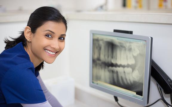DentalHygienist01
